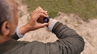 Zo gebruik je een wearable: tips om het meeste uit je smartwatch of fitnesstracker te halen