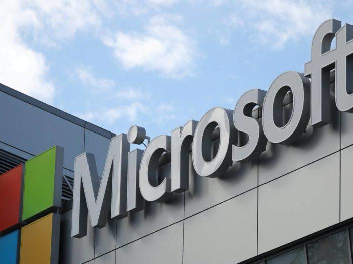 De rivaliteit tussen Apple en Microsoft was bekoeld. Nu is het terug en wordt het testier